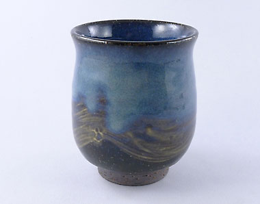 Blue Hagi-yaki cup by Yamane Seigan, 280 ml / 9.5 oz