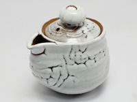White Hagi-yaki Hôhin teapot by Takeshita Keizô, 400 ml / 14 oz