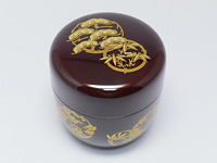 Natsume, brown lacquerware tea caddy for matcha. Flowers.