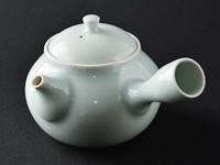 Banko-yaki kyûsu porcelain teapot by Shimizu Jun from Suigetsu workshop 210 ml (7.1 oz)